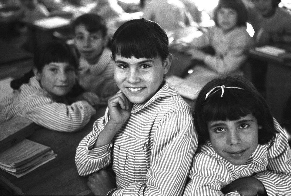 Alumnas del colegio Carmen Tronchoni, por Milagros Caturla