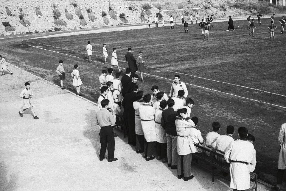 Campo de fútbol de Llars Mundet, por Milagros Caturla