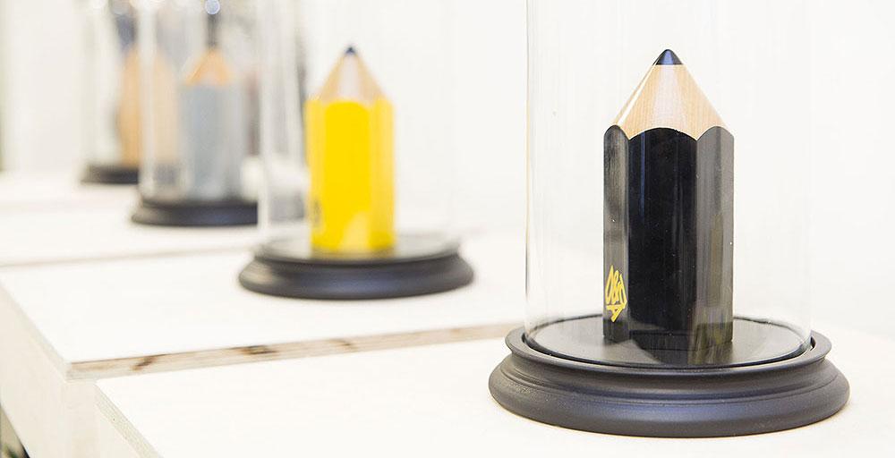 Pencils Cab 02