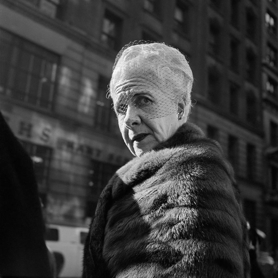 Fotografía mujer, por Vivian Maier