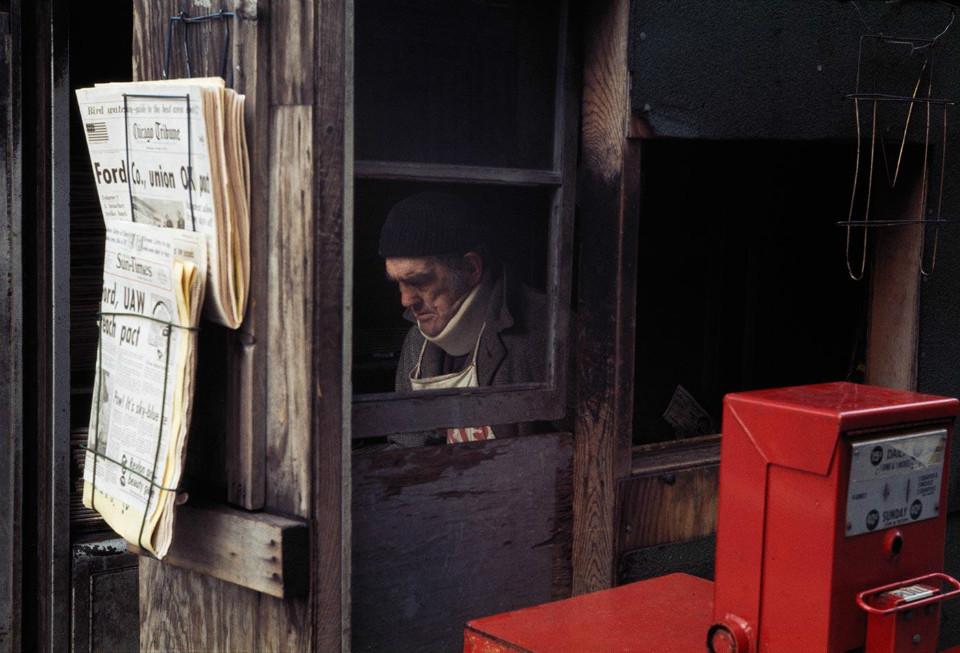Fotografía hombre trabajando, por Vivian Maier