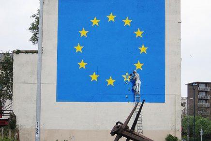 Banksy ilustra la ruptura de Europa con este mural sobre el Brexit