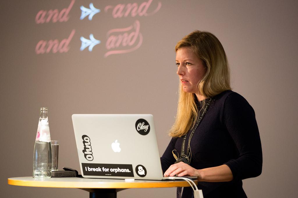 Tipografías mujeres Bianca Berning en el Dynamic Font Day Munich, noviembre de 2016. Foto de Michael Bundscherer
