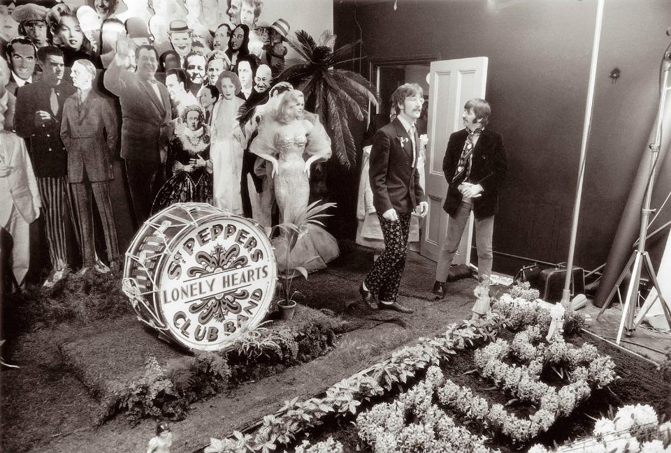 Decorado para las fotografías de la portada del octavo álbum de 'The Beatles'