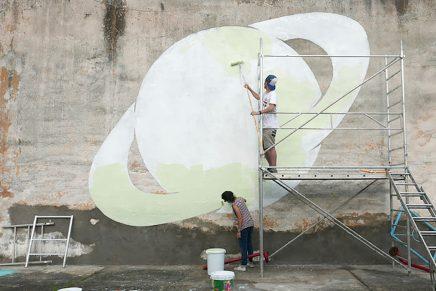 Arte urbano que se transforma en la oscuridad
