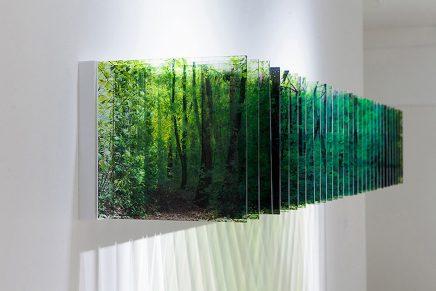 Fotografías de paisajes acrílicos que se convierten en instalaciones multidimensionales