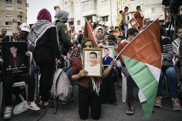 Mostrar el día a día de Palestina es el propósito del último trabajo de Pedro J. Saavedra