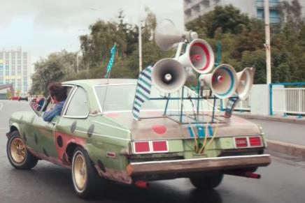 La agencia BBH London diseña la última divertida campaña de Audi