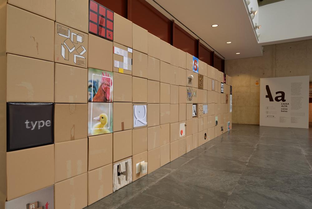 Exposición Caja Alta caja baja