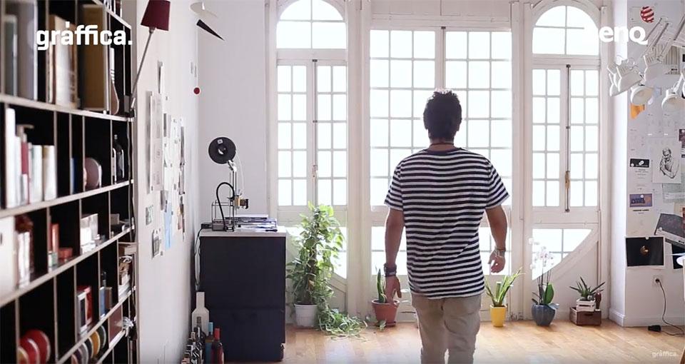 Espacios Creativos Eduardo del Fraile en su estudio caminando