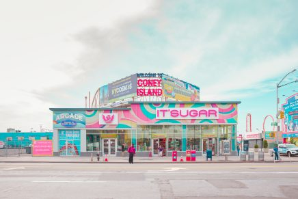 Salvador Cueva nos muestra una colorida imagen de Coney Island