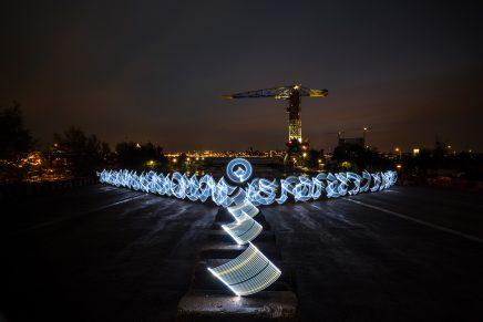 Caligrafía luminosa por los creativos Said Dokins y Leonardo Luna