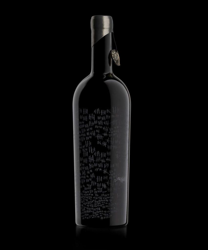 Una misteriosa botella de vino