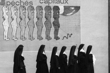 Recordamos la irónica y surrealista fotografía del francés René Maltête