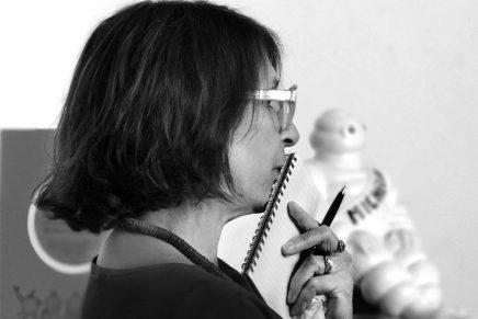 Fallece la historiadora y diseñadora catalana Anna Calvera a los 63 años
