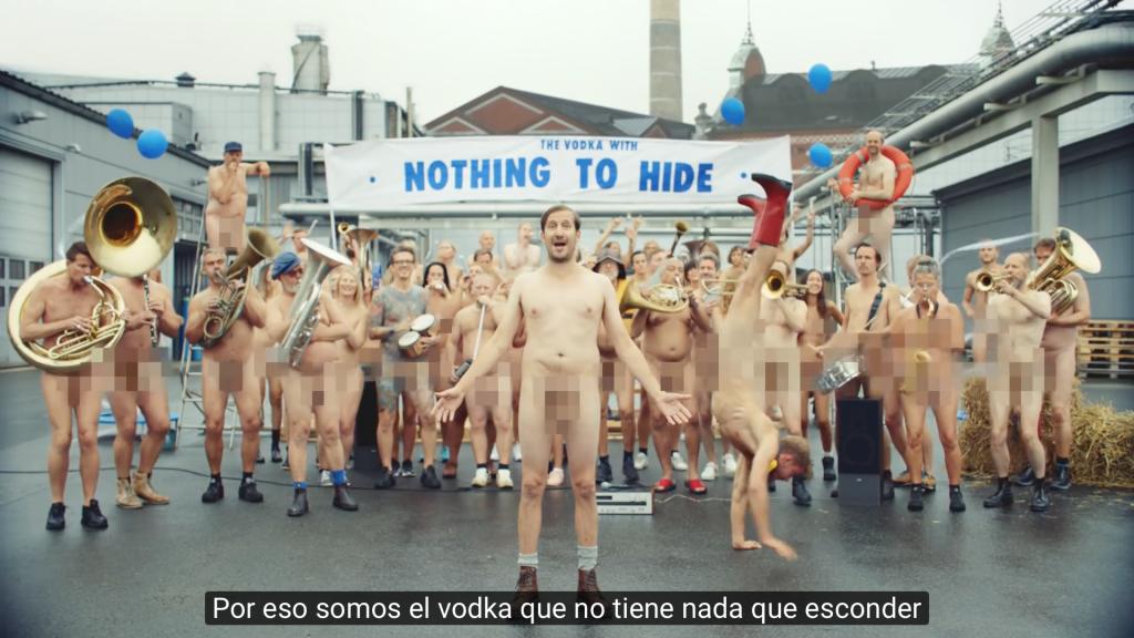 campaña absolut empleados desnudos - 2