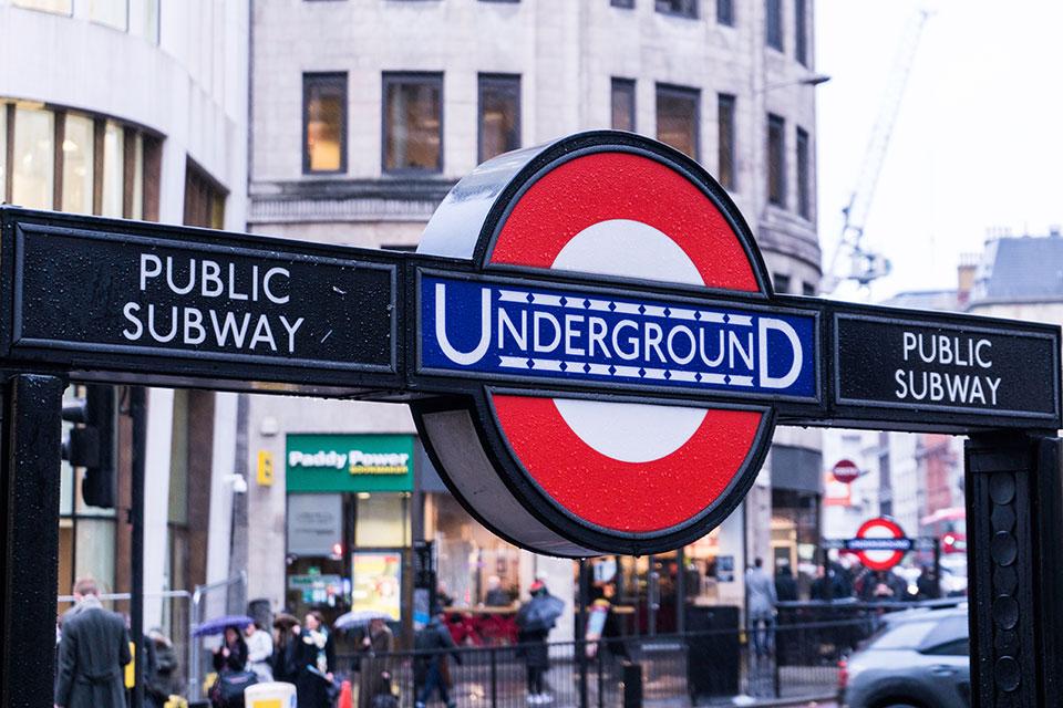 logos instituciones metro britanico