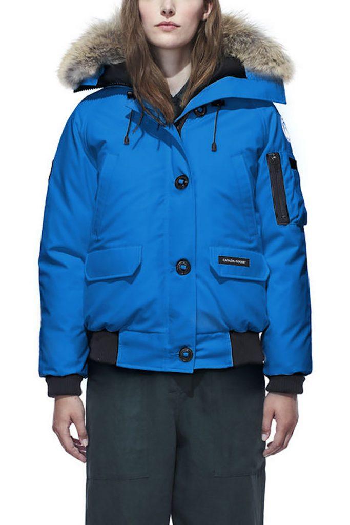 Una de las chaquetas en el tono PBI Blue Pantone