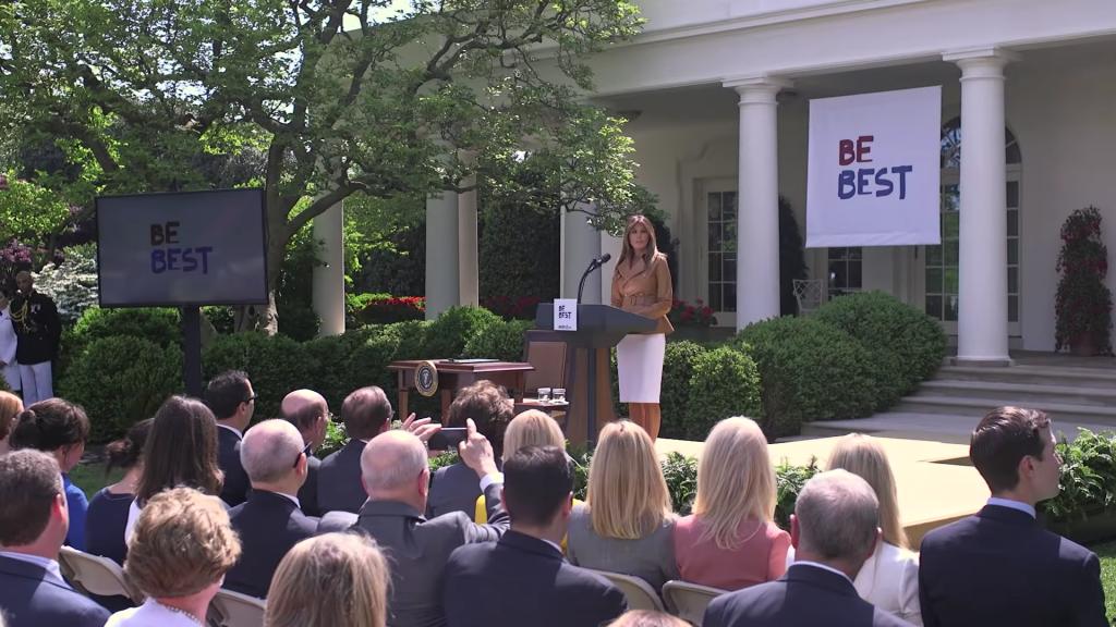 Be Best, logo de Melania Trump 7