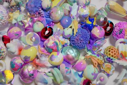 'Reduced Museum': una explosión de formas, texturas y colores de la mano de White Russian Studio