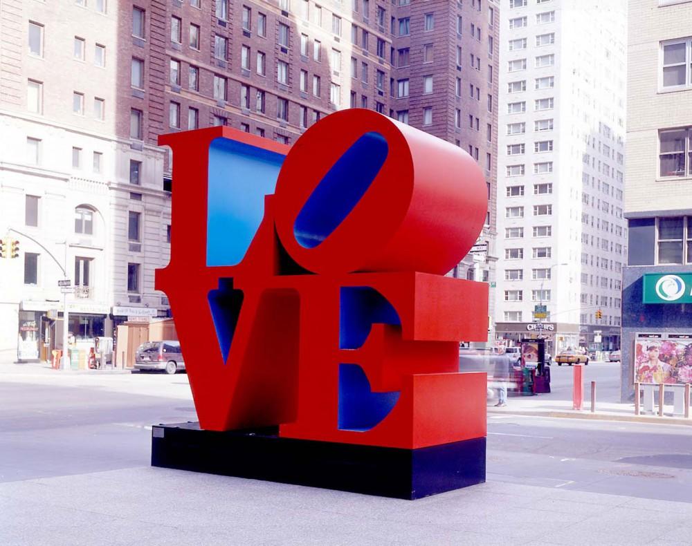 La escultura LOVE de Robert Indiana