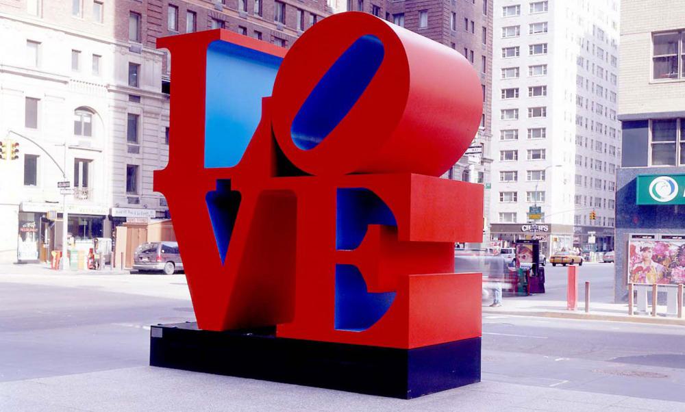 La escultura LOVE de Robert Indiana 2