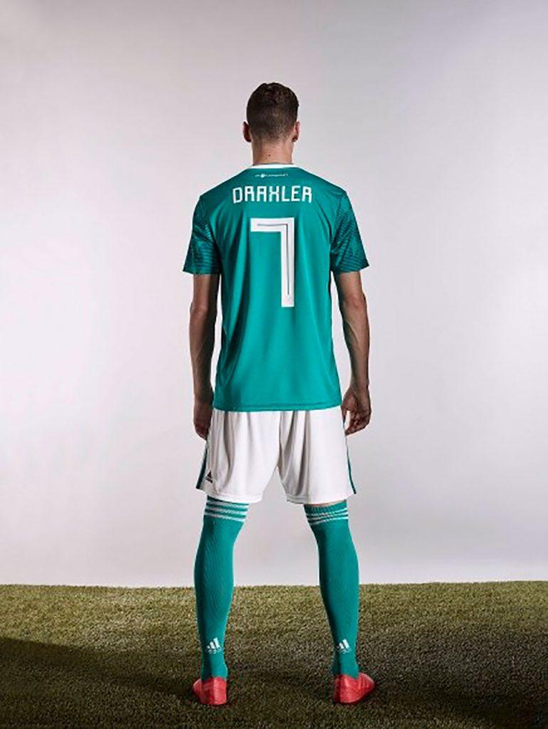 tipografia seleccion alemana futbol de espaldas con 77