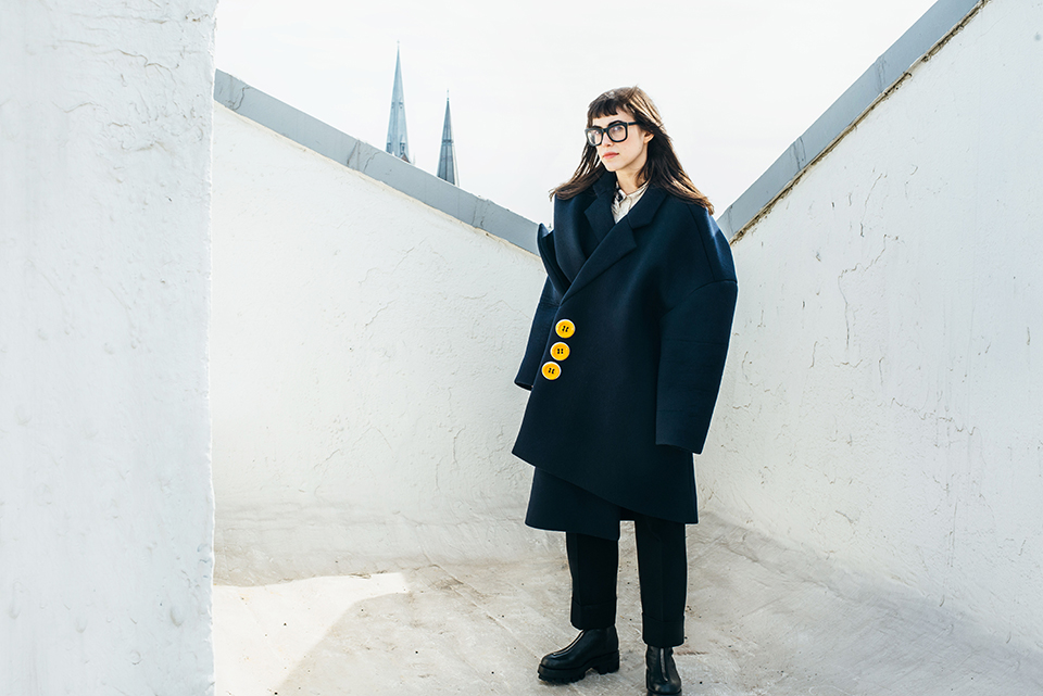 revista graffica 10 leta sobierajski retrato edificio