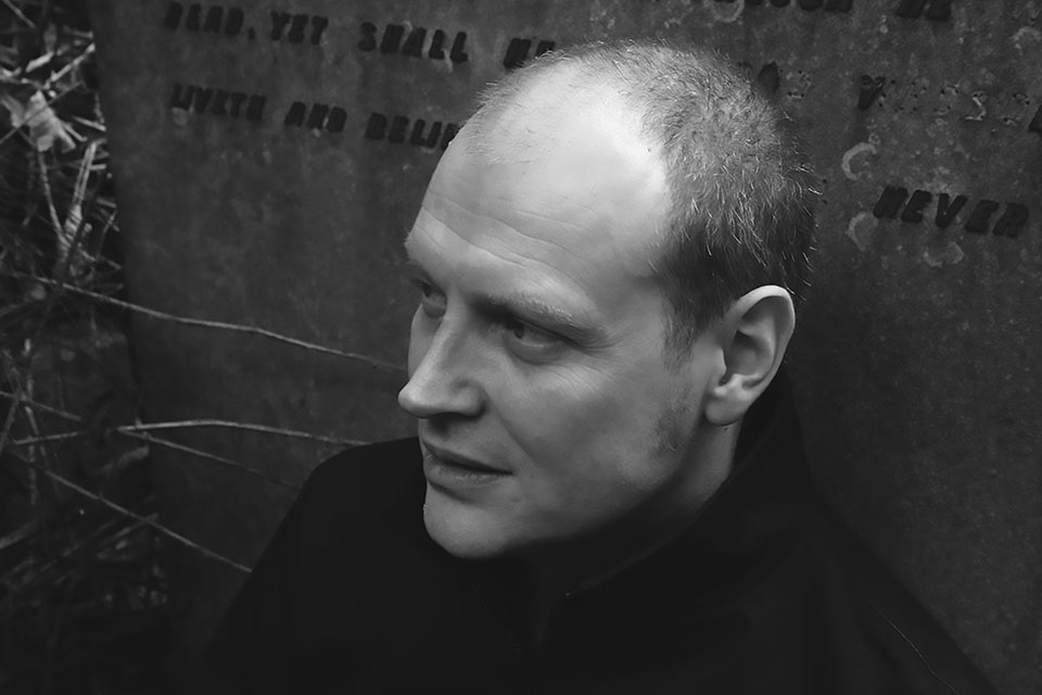 revista graffica 12 jonathan barnbrook txt retrato