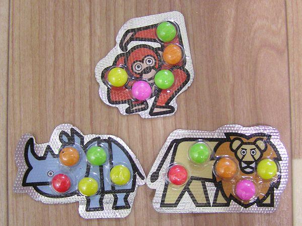 Una marca japonesa de caramelos copia las ilustraciones de Cruz Novillo