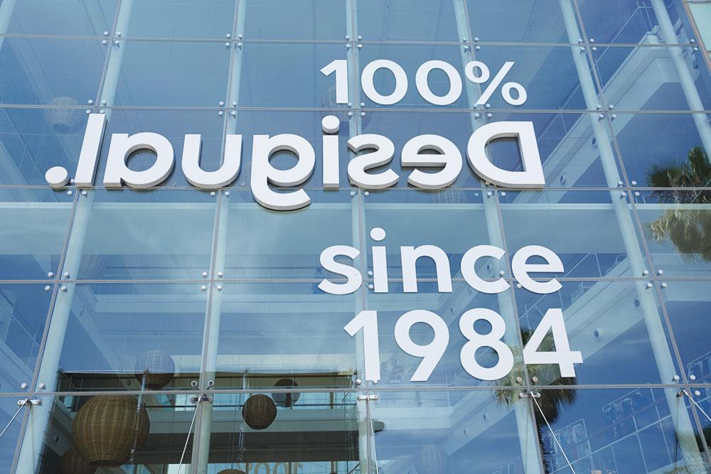 Desigual - rebranding - fachada