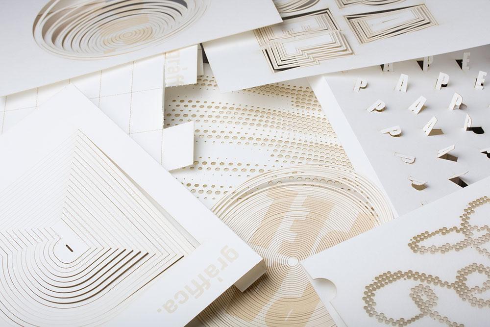 Así es cómo ha hecho Lo Siento Studio la portada de la revista Gràffica 'Papel' con papel.