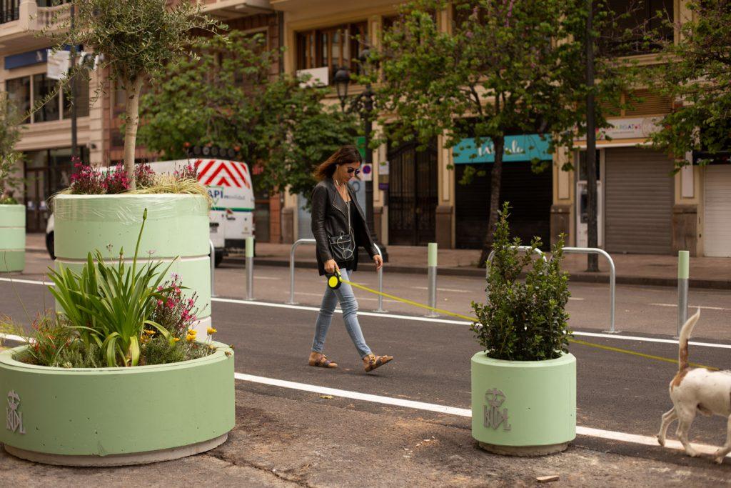 capital mundial del diseño. Bolardos de la plaza del Ayuntamiento de Valencia.