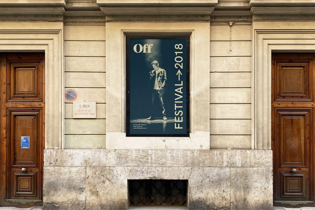 Fachada cin cartel de la escuela de artes escénicas de Valencia