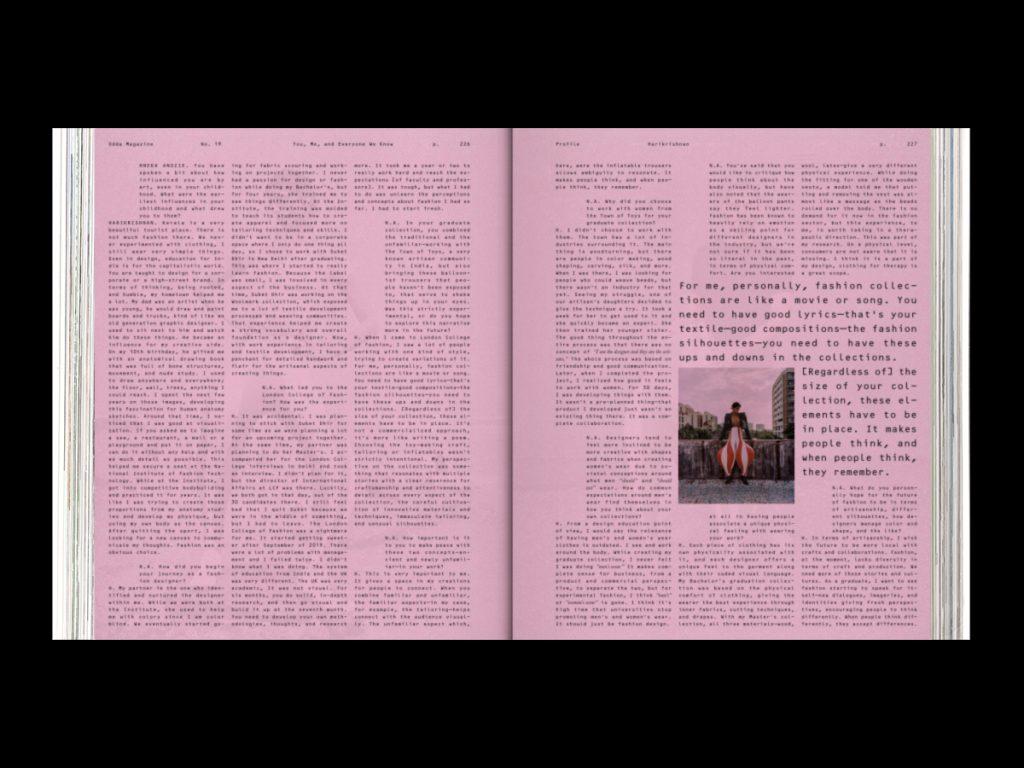 ODDA Magazine: el último proyecto de Naranjo-Etxeberria - Doble página interior con fondo rosa