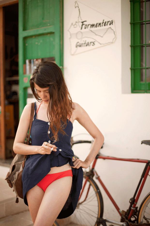 la ilustradora Blanca Miró en Formentera