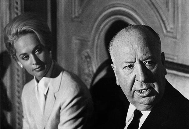 Enrique Meneses, fotografía a Alfred Hitchcock