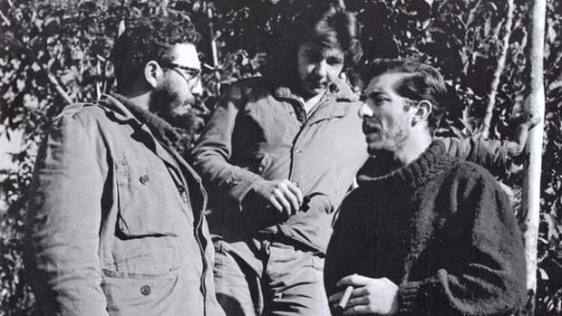 EnriqueMeneses, Fidel Castro en Sierra Maestra