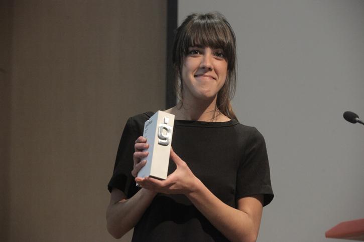 Iris Tárraga trofeo Entrega Premios gràffica 2011: «Es una gran sorpresa recibir un premio al que no te has presentado»