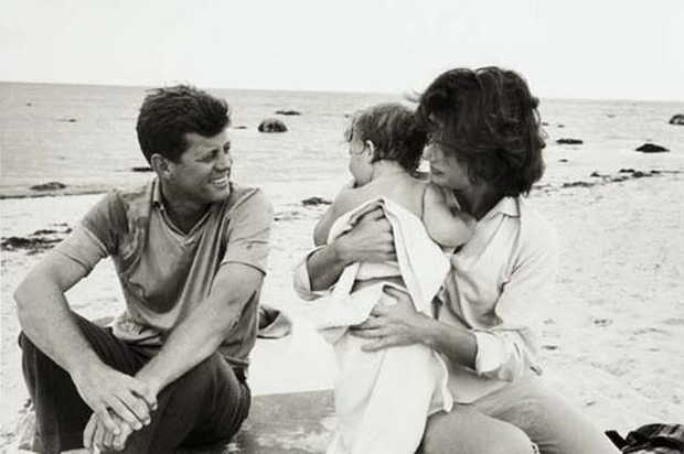 Mark Shaw. The Kennedys