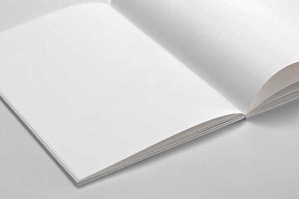 Página en blanco con tintas termocromáticas